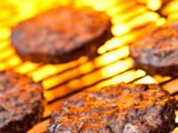 Grill richtig anzünden - Holzkohle schnell zum Glühen zu bringen